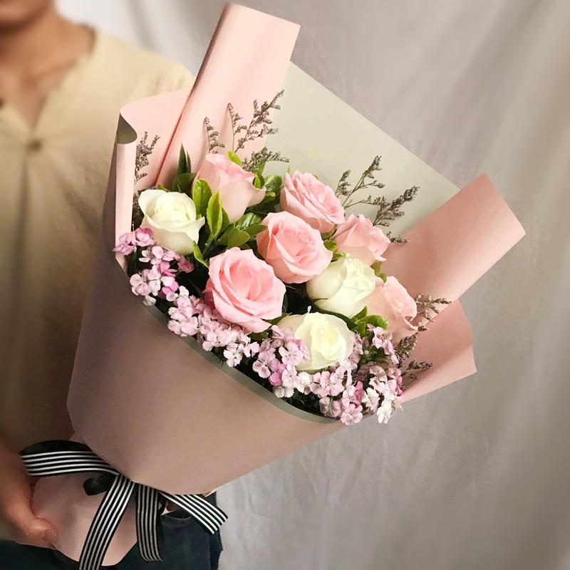 一路上有你-9朵玫瑰混搭 固原网上鲜花预订去哪个app?感谢他人可以送哪些礼物