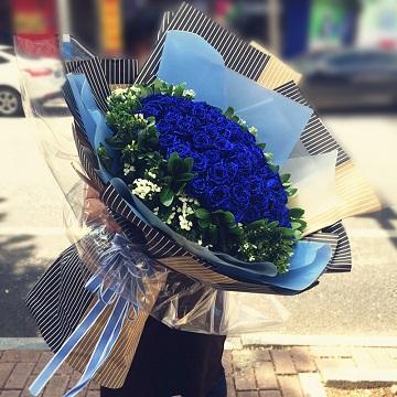 丹心言誓-99朵蓝色妖姬