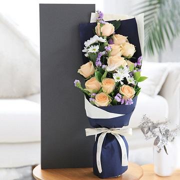 暖暖的在心里-11朵香槟玫瑰礼盒