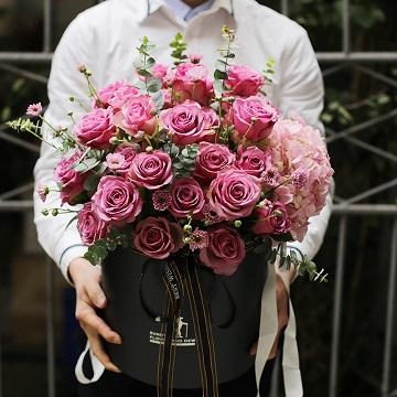 真情綻放-33朵紫玫瑰抱抱桶