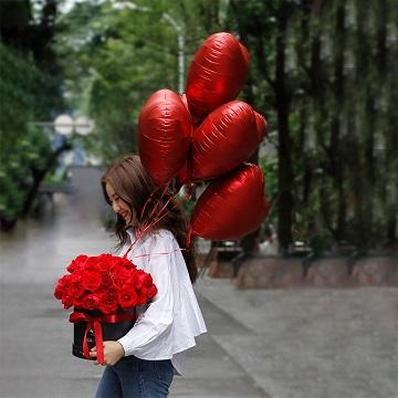 给你我的心-52朵红玫瑰网红抱抱桶