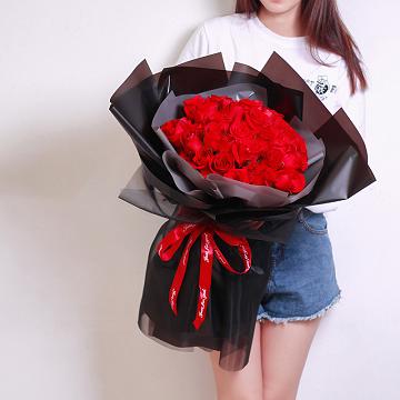 温柔清浅-33朵红玫瑰