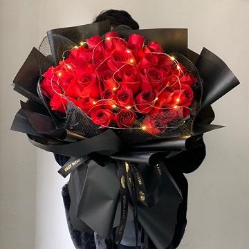 相爱永远-33朵红玫瑰花束